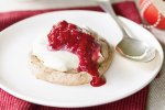 Warm chocolate meringues with cream & crushed raspberries