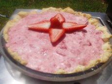 Bavarian Strawberry Cream Pie