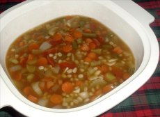 Vegetarian Barley-Vegetable Soup