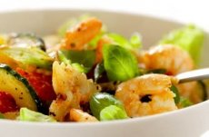 Prawn, tomato and pasta salad