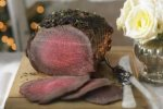 Roast beef with mustard and thyme crust