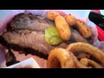 Onion Rings, Brisket, Pork Sandwich Phil's Barbecue Black Mountain Cebollas Fritas Torta de Puerco
