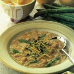 Chickpea soup with asparagus