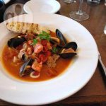 Steamed mussels with tomatoes and wine