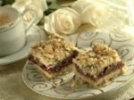 Fruit and Chocolate Streusel Squares   1 This looks Yummy!