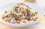 Creamy mushroom, bacon and basil spaghetti